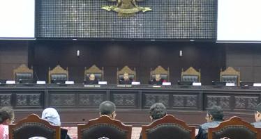 Dilema Putusan MK Terkait Kewenangan Pusat Untuk Membatalkan Perda
