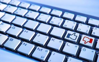 Menjerat Percakapan Di Facebook dengan Pidana: Bukti Ilegal dan Buruknya Kinerja Jaksa